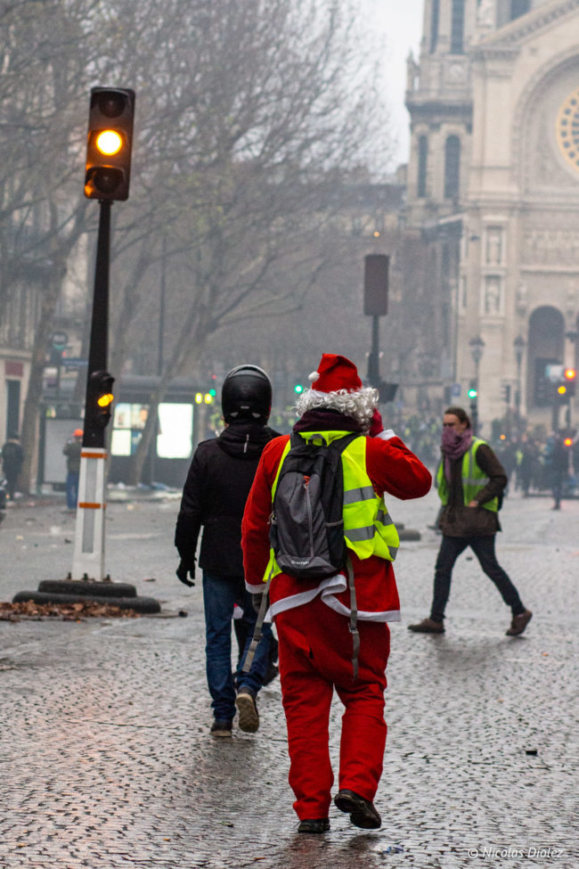 Le père Noël jaune